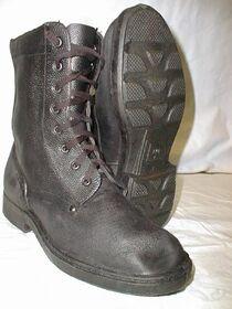 Russian-para-boots