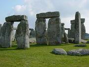 800px-Stonehenge Closeup