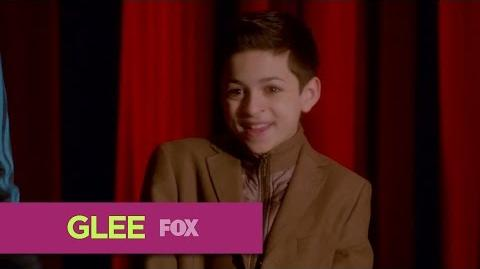 "GLEE Gleek Peek ""Child Star"""