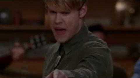 Glee - Bamboleo Hero