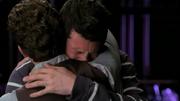 Finn abrazando a Will en Preggers