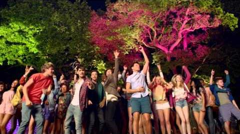 One Direction - Live While We're Young-0