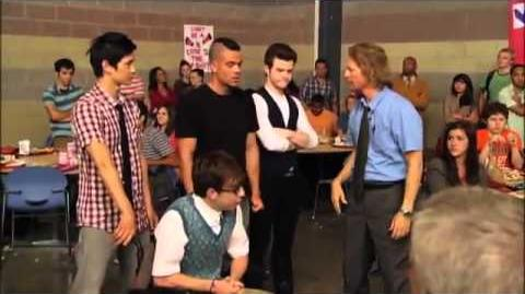 "Behind The Glee ""FOOD FIGHT"""