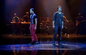 Glee-matt-bomer-and-darren-criss-performance-somebody-tha-i-used-to-know