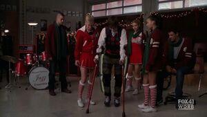Glee - 2x10 - A Very Glee Christmas.avi 002327742