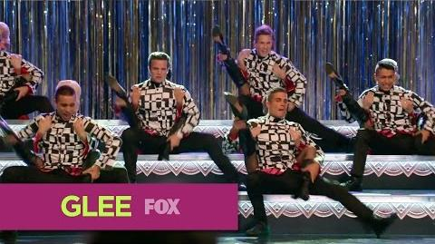 "GLEE - Full Performance of ""Rock Lobster"" from ""The Hurt Locker, Part 1"""