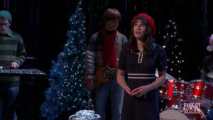 A Very Glee Christmas - Merry Christmas Darling