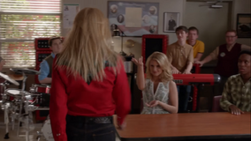 5x13 Holly & Quinn Party All The Time