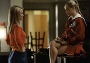323836-glee-seasohn-4-episode-8-thanksgiving-reunion-quinn-fabray-sings-home-f