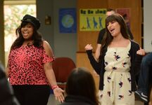 Glee-mercedes-and-rachel-la-5-21-12