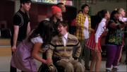 Artie y Rachel Lean On Me
