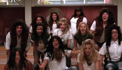 Cast-of-glee-singing-hair-crazy-in-love