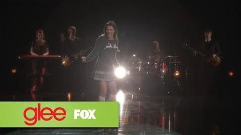 "Sneak Peek ""Opening Night"" GLEE"