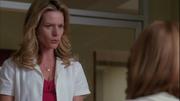 Terri hablando con Emma en Vitamin D