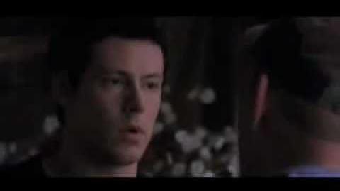 Burt discute con Finn