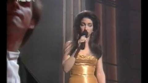 "Gloria Estefan - ""Don't Wanna Lose You"" (Live)"