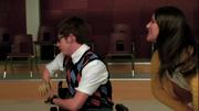Rachel y Artie bailando Le Freak