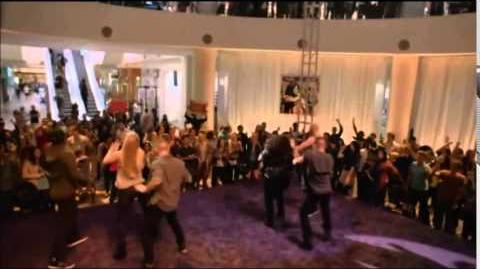 "Glee - Full Performance of ""Shakin' My Head"""