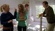 Kendra, Terri y Phil en Showmance