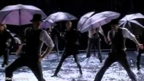 Glee - Singing In The Rain Umbrella