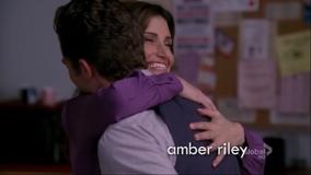 Will y Shelby abrazandose en I Am Unicorn