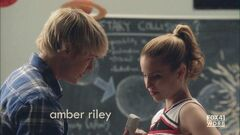 Sam proponiéndole a Quinn.