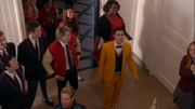 5x01 New Directions, Warblers All You Need Is Love
