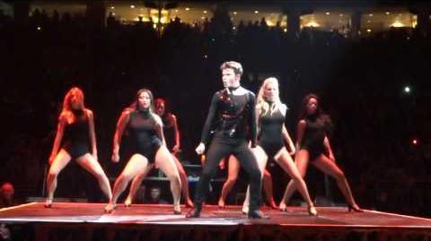 Kurt from Glee dances to Single Ladies by Beyonce
