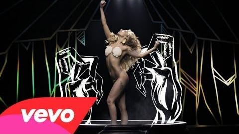 Lady Gaga - Applause (Official)-0