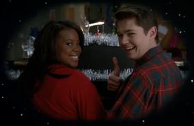 Mercedes y Rory en Extraordinary Merry Christmas