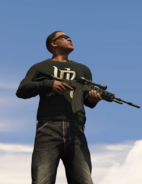 Franklin con rifle de comando GTA V