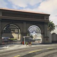 Backlot City Entrada