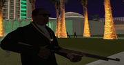 Carl Johnson con un rifle
