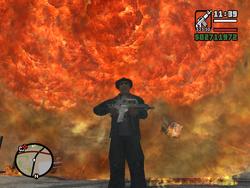 Carl frente a un gran incendio