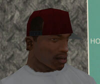 Gorra roja lado