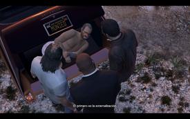 Devin en el maletero