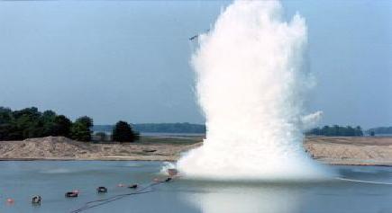 Explosión submarina