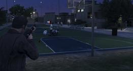 Michael matando a Stretch