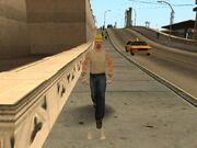 Obrero caminando en LS