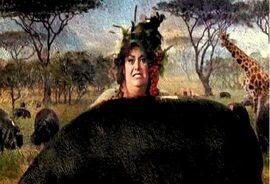 La Dama Gorda escondida detrás de un hipopótamo