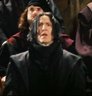 200px-Snape Jinxing Quirrell