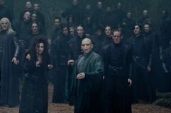 260px-DH2 Death Eaters with Voldemort during the battle