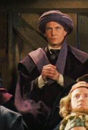 P1 Quirrell hechizando la escoba de Harry Potter