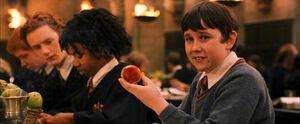 P1 Neville con su recordadora