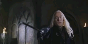 Lucius queriendo atacar a Harry