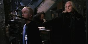 Lucius en Borgin y Burkes