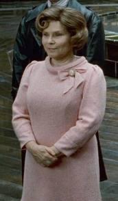 Dolores como subsecretaria