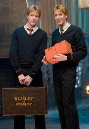Fred y George Harry Potter y la orden del fenix