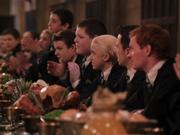 Draco en la mesa de slytherin