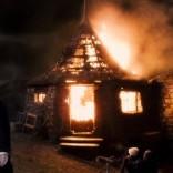 Cabaña encendida